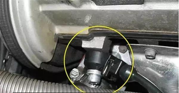 汽车爆震传感器作用与原理详细介绍