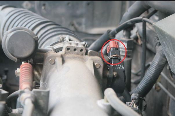 节气门位置传感器位置