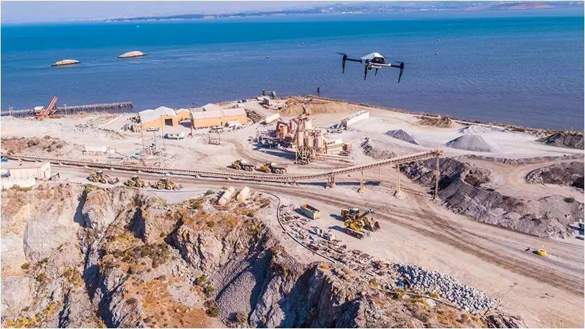 小松智能建筑公司购买大疆无人机群进行施工场地建模测绘
