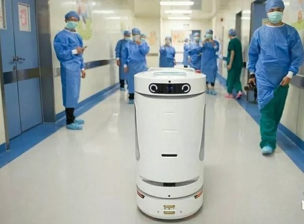借助新型「医用物流与智能装备」技术,转变医疗服务模式