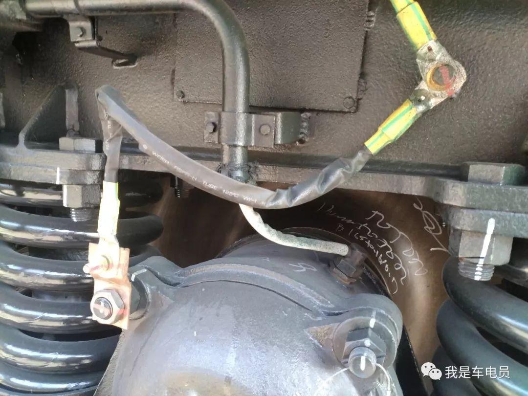 列车轴温传感器的更换