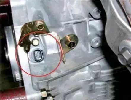 凸轮轴传感器故障与排除方法