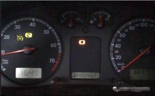 """大众帕萨特B5轿车怠速""""游车"""",原来是氧传感器的问题"""