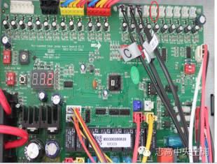 模块机E9:冷凝器A管温传感器故障解决办法