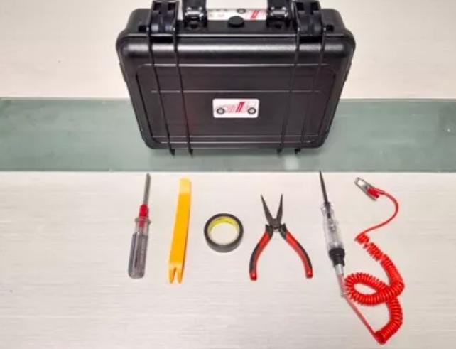 和路通智能行车记录仪-S1安装指南(点烟器取电)