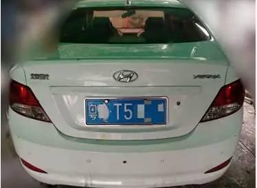 北京现代瑞纳ABS警告灯亮起
