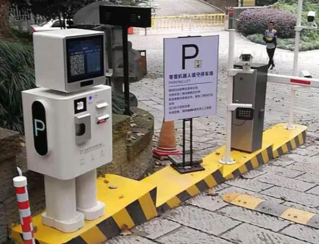 人工智能机器人停车系统的优势